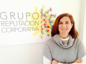 Clara Fernández en su despacho (Grupo Reputación Corporativa)